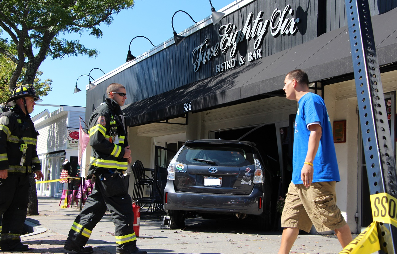 Elderly woman drives into 586 Bistro and Bar…  [VIDEO]
