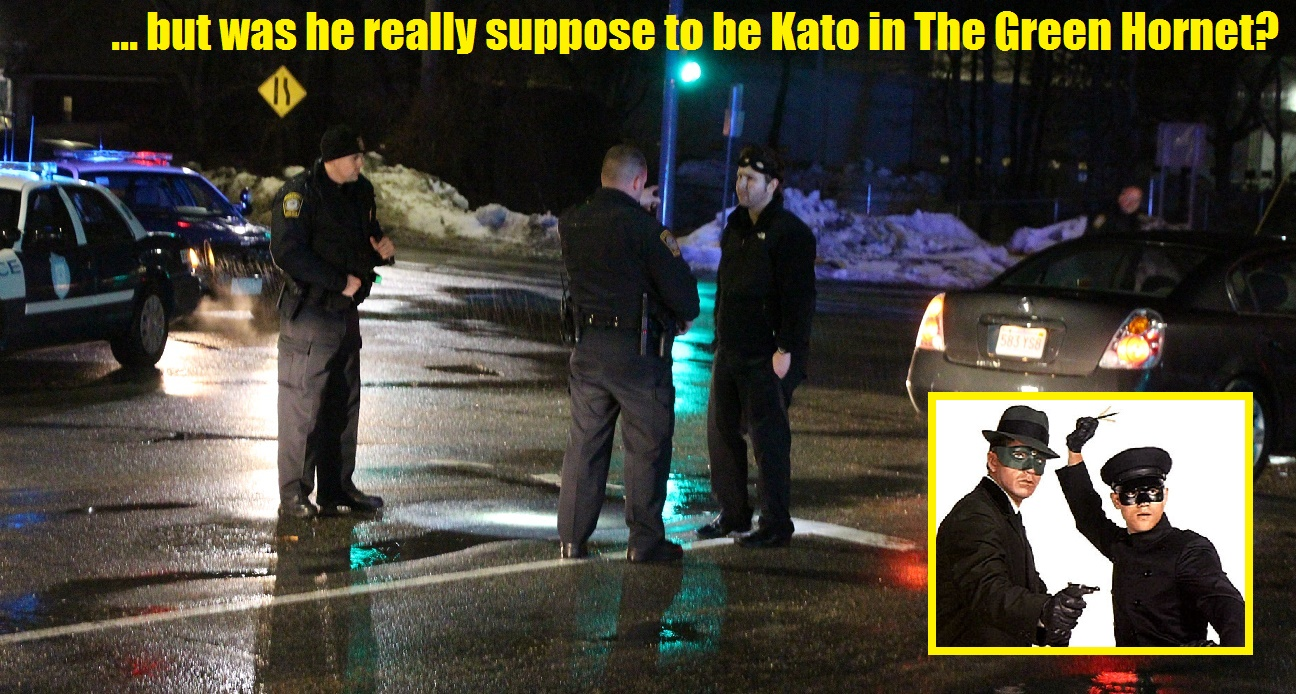 Man wearing 'Batman' mask busted for OUI… reportedly was slumped over at traffic light… [Video]