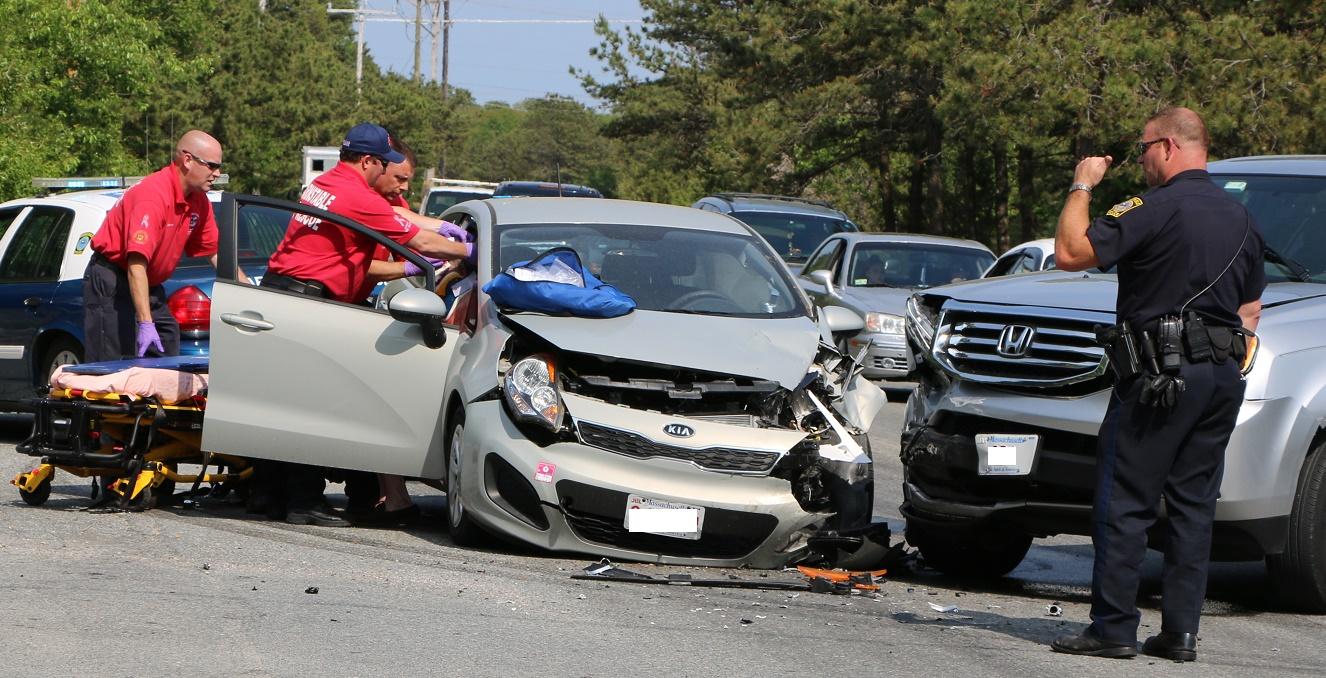 Elderly man badly hurt in head-on collision… [VIDEO]