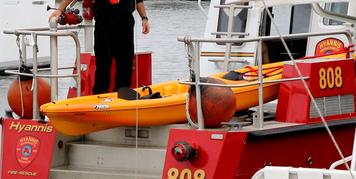Two kayakers successfully rescued from Nantucket Sound…  [Video]