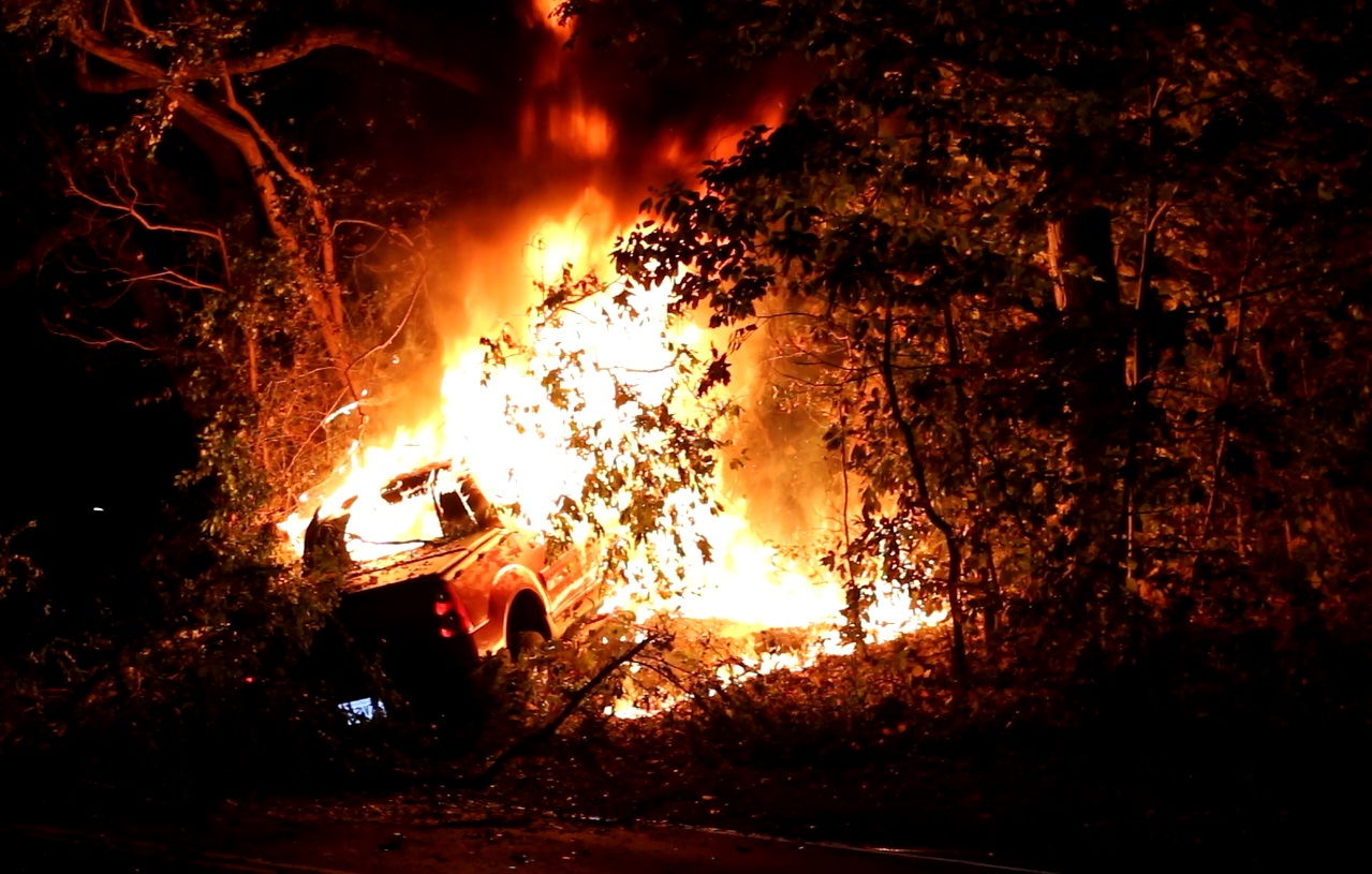 BLAZE:  Pickup crashes into tree, bursts into flames… juvenile male driver escaped but could barely stand up… [WILD VIDEO]