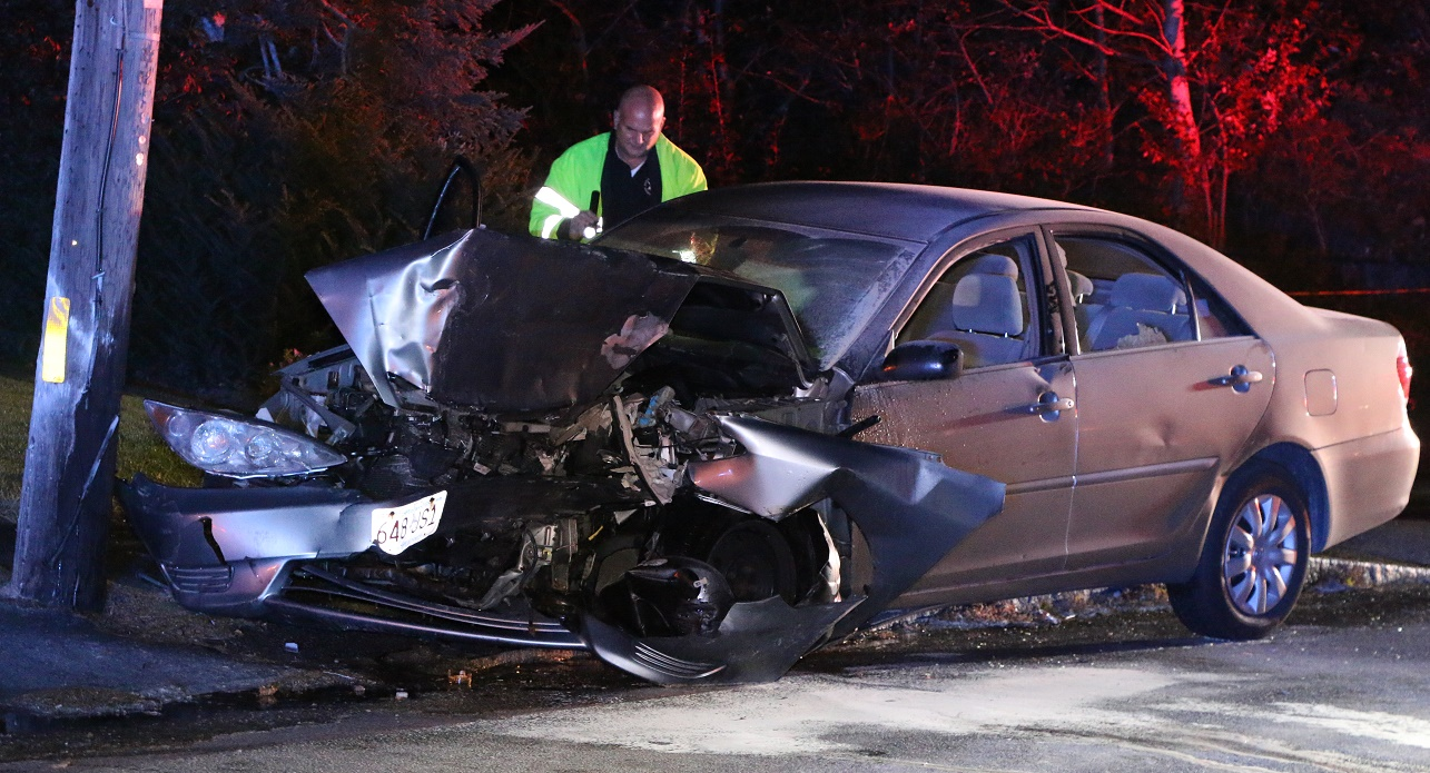 FIERY CRASH:  Mother was unresponsive and trapped behind wheel… 6-year-old daughter escaped on her own… [VIDEO] [UPDATED]