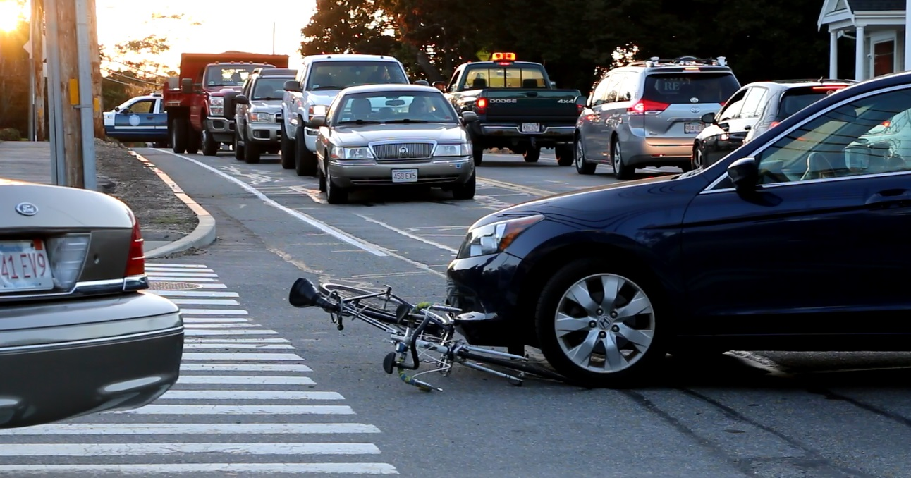 RUSH HOUR:  Bicyclist struck on West Main Street…  [VIDEO]