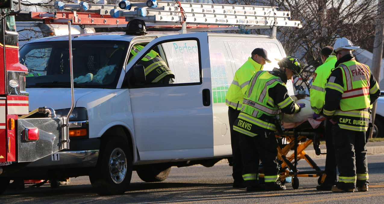 VIDEO: Three window washers to CCH after rear-ended by large truck…