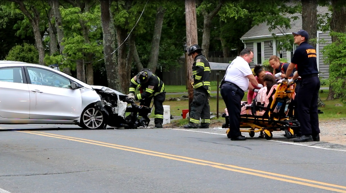Little girl hurt after car strikes pole… [VIDEO]