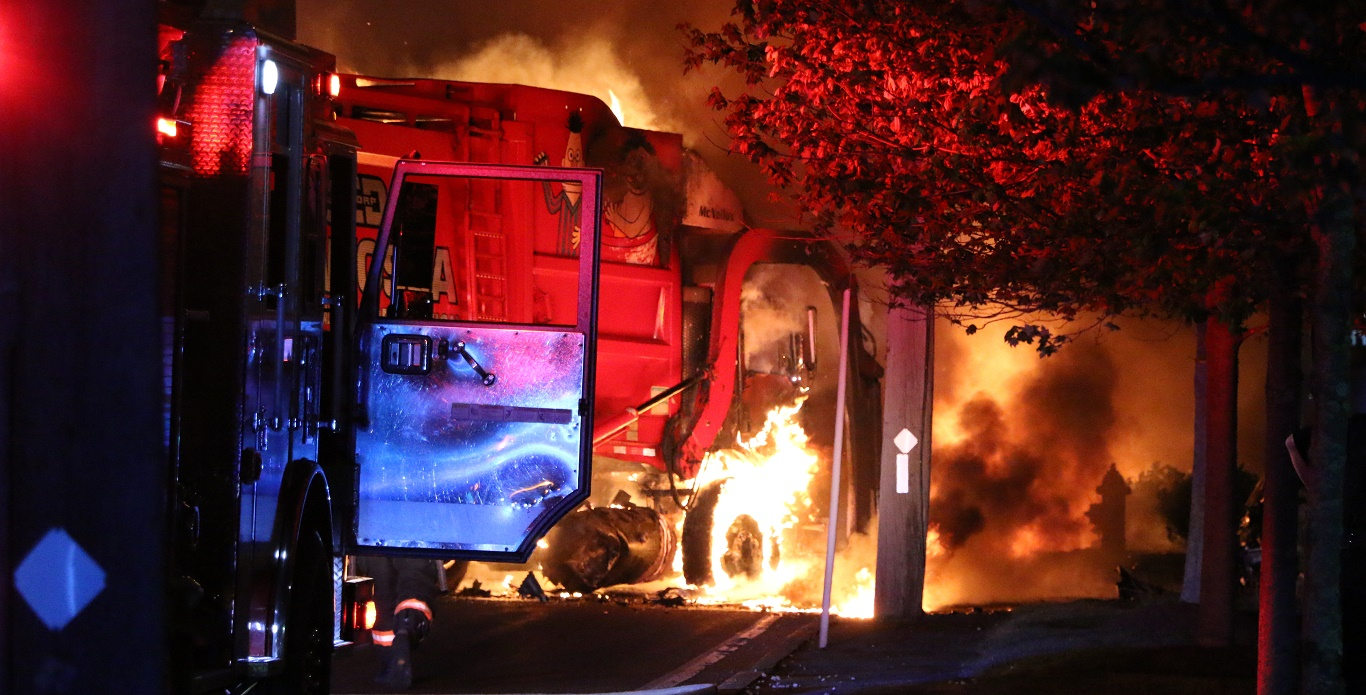 BLAZE: Garbage truck burst into flames after collision with passenger vehicle… [RAW VIDEO]