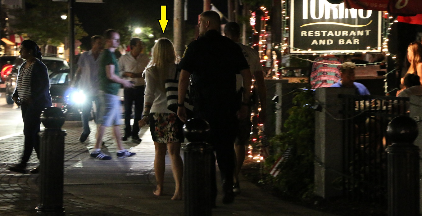 "Bar staff & cops help ""CRIMESPREE"" fan get her stuff back…"