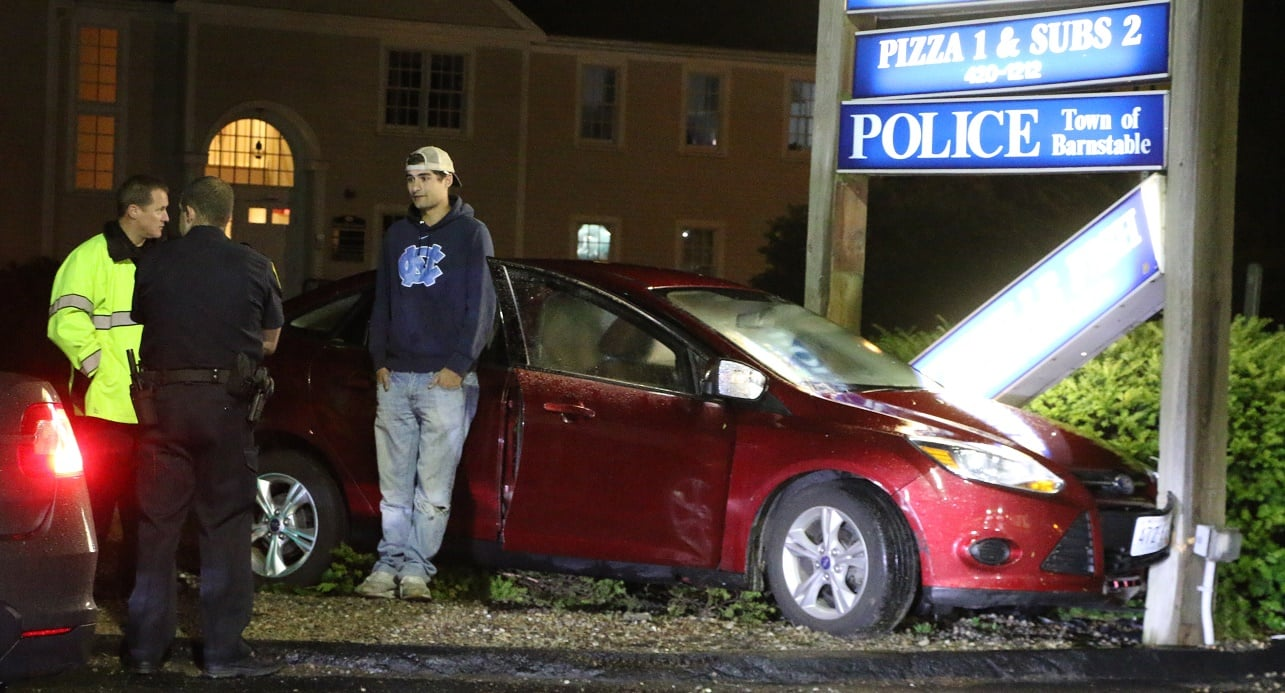 He wanted a slice of pizza, but got locked up for drunk driving instead… [VIDEO]