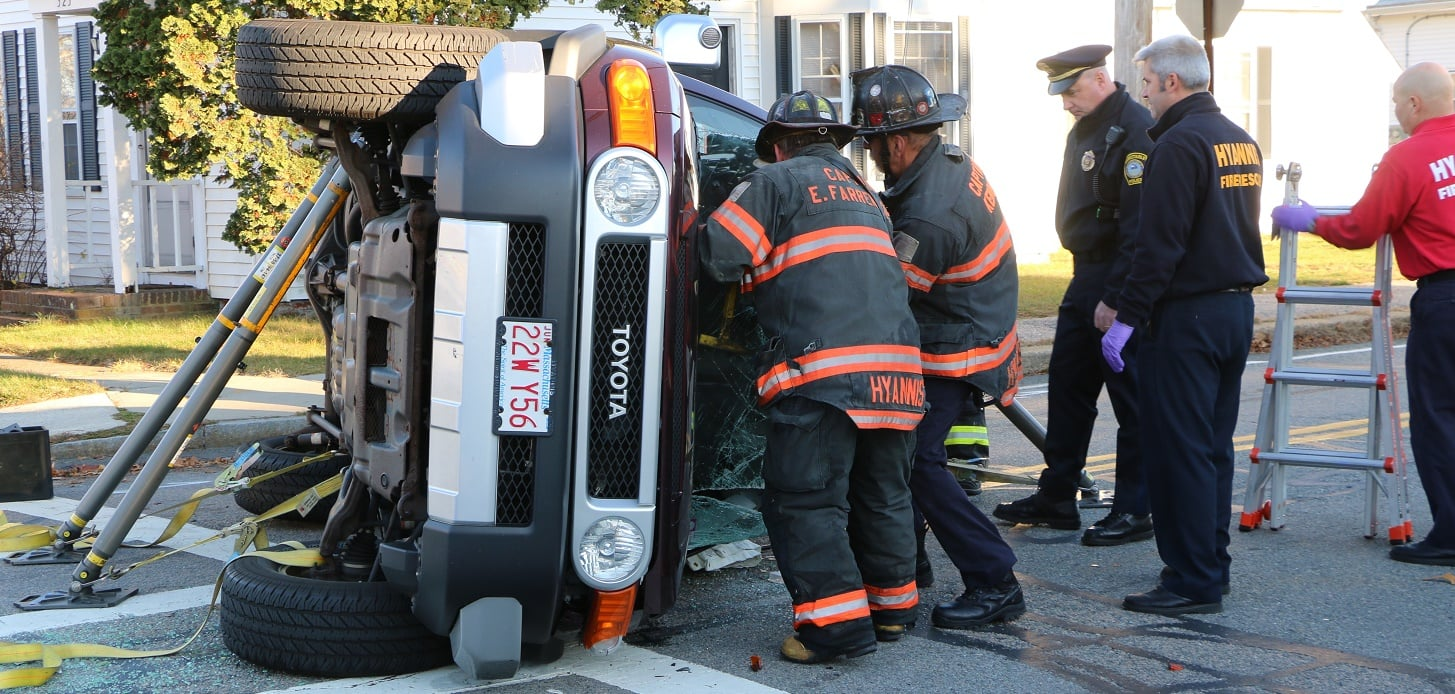 VIDEO: Firefighters rescue entrapped woman from rollover… CCH placed on trauma alert…