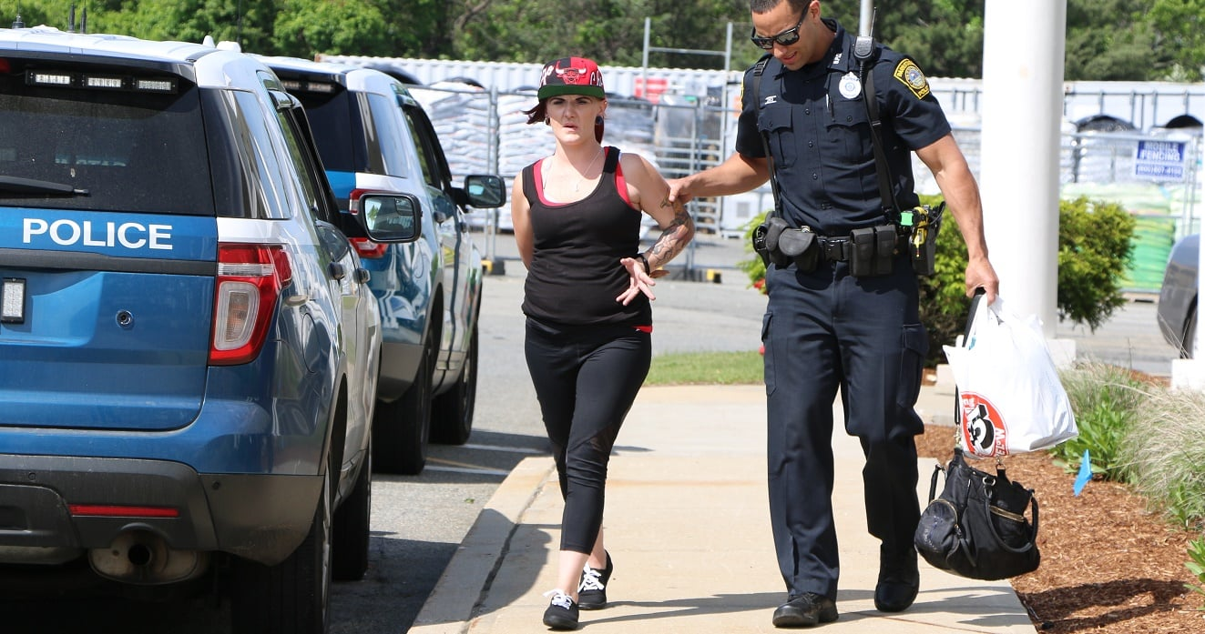"""HN PHOTOS:  Woman """"passed out"""" in front of families also had warrants…"""